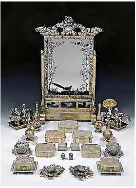Hermitage filigree toilet set