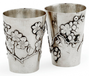 Chinese Export Silver pair of Luen Wo beakers