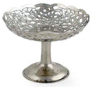 Chinese Export Silver small tazza by Hung Chong